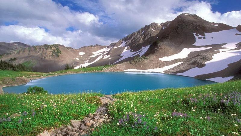 07 Deosai Lake